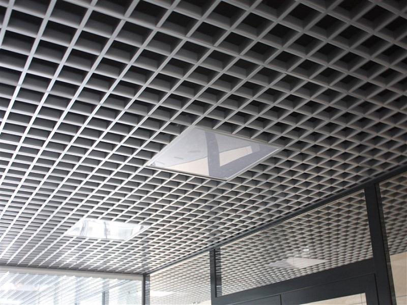 Подвесной открытый потолок грильято